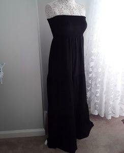 Sofia Vegara Strapless Maxi Dress